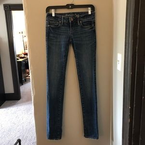 American Eagle Size 00 Skinny Jeans